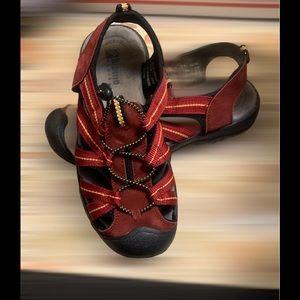 Alpine Design Red Sandals